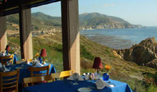 Restaurant with a magnificent view of the Pacific Ocean.